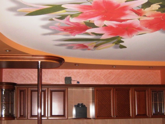 Как сделать красиво потолок на кухне